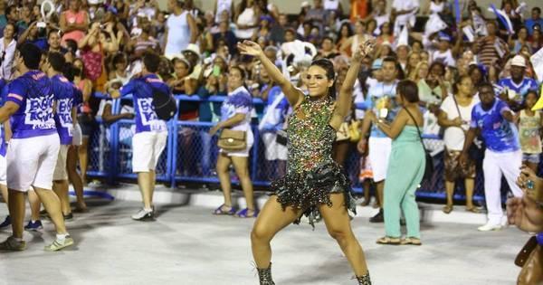 Shayene Cesário rouba a cena no ensaio da Portela - Fotos - R7 ...