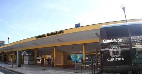 Greve de motoristas e cobradores de ônibus em Curitiba afeta 2,3 ...