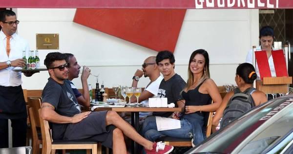 Tá rolando? Letícia e Junior almoçam juntos - Fotos - R7 Famosos e ...