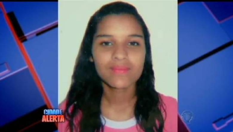 Estér Bueno, de 18 anos, desapareceu no dia 16 de fevereiro em Mogi das Cruzes, na região metropolitana de São Paulo. Após tentar contato com a garota por telefone, a família começou a receber mensagens ameaçadoras por celular. O paradeiro ainda não foi descoberto e a família está aflita