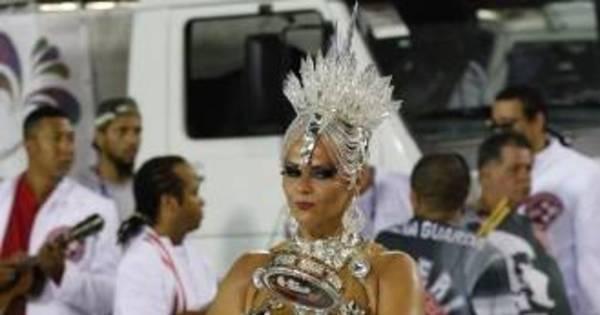 Cuidado no Carnaval: salto alto pode prejudicar pés e joelhos ...