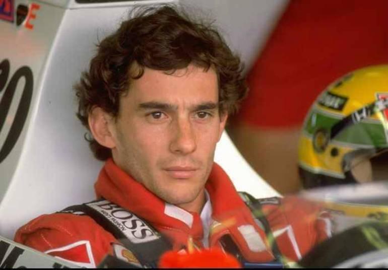 O brasileiro foi campeão mundial em 1988, 1990 e 1991. Teve sua carreira tragicamente interrompida em 1º de maio de 1994, no GP de Ímola, na Itália