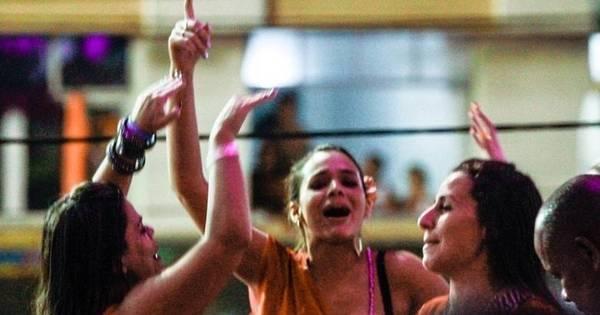 Bruna Marquezine está chateada com flagra em Salvador, diz jornal ...