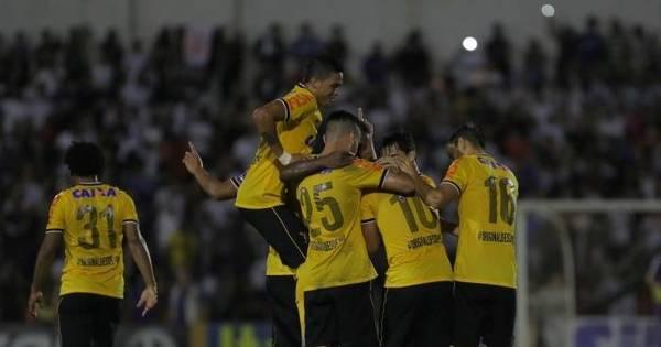 Corinthians embala e novo ídolo Luciano promete mais um show no ...