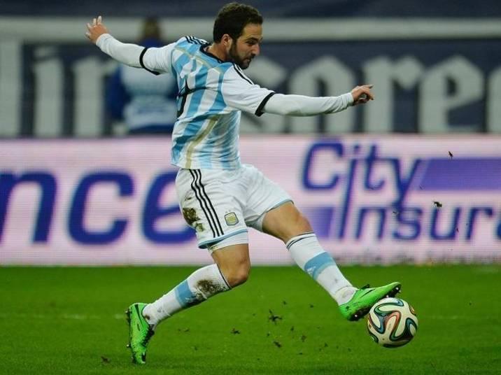 A sexta posição do ranking da Fifa é dividida por dois grandes rivais: Argentina e Brasil