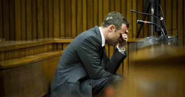 Pistorius chora no tribunal e pede perdão pela morte da namorada ...