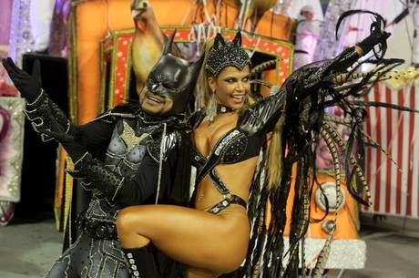 Cacau Colucci Carnaval Cacau Colucci Desfilou Vestida