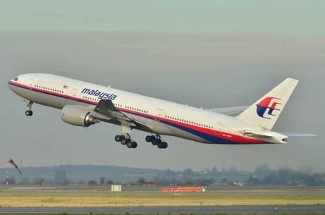 Avião da Malásia desapareceu do radar 1 hora antes do que se imaginava