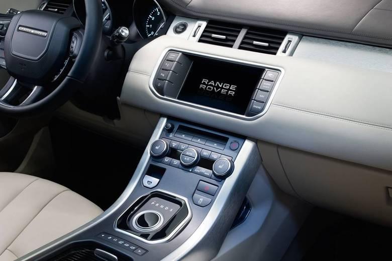 Internamente o Evoque 2014 é idêntico às versões anteriores do jipinho.Leia a avaliação completaSaiba tudo sobre carros! AcesseR7.com/carrosE confira os melhores preços de novos e usados emr7.icarros.com.br