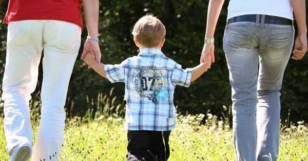 Escolas eliminam Dia das Mães do calendário em respeito aos ...