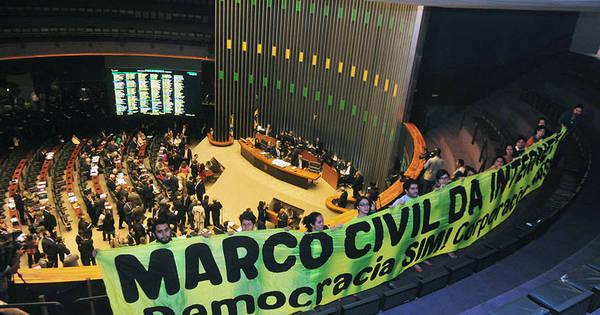 Oito meses após aprovação no Senado, Marco Civil ainda não ...