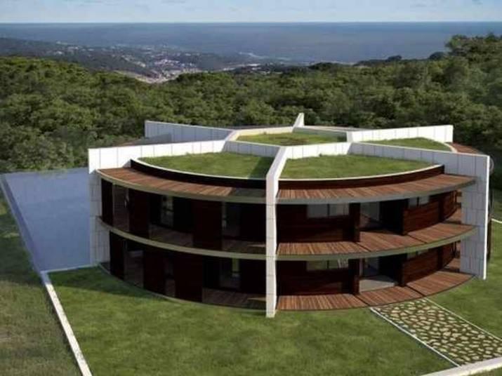 Lionel Messi, companheiro de Neymar no Barça, também não economiza quando o assunto é morar bem. O argentino mandou construir uma casa em forma de estádio de futebol para morar. Enquanto ela não fica pronta, o craque mora em um lugar mais 'modesto'...