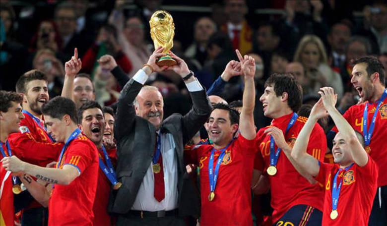 Nesta quinta-feira (10), a Fifa divulgou uma atualização do seu ranking. A primeira colocação continua absoluta com a seleção espanhola