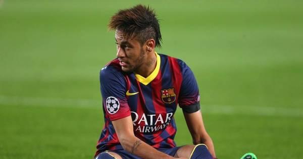 Caso de racismo encerra ano terrível de Neymar em Barcelona ...