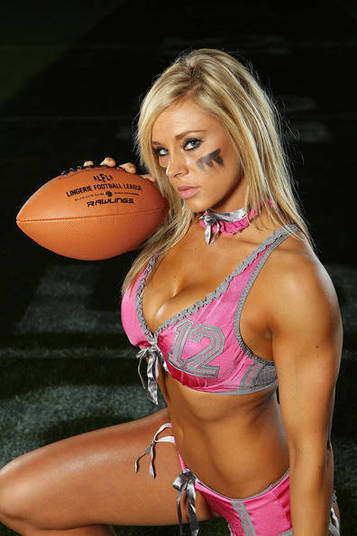 Christine Moore é a gata do Seattle Mist e também da Liga. Ela ocupa a 5ª posição entre as mais bonitas da competição