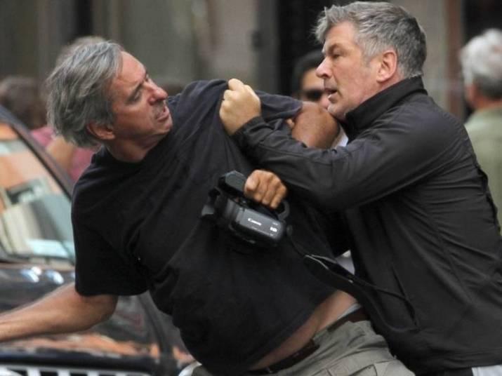 Alec BaldwinO ator perdeu a cabeça e agrediu fisicamente um fotógrafo