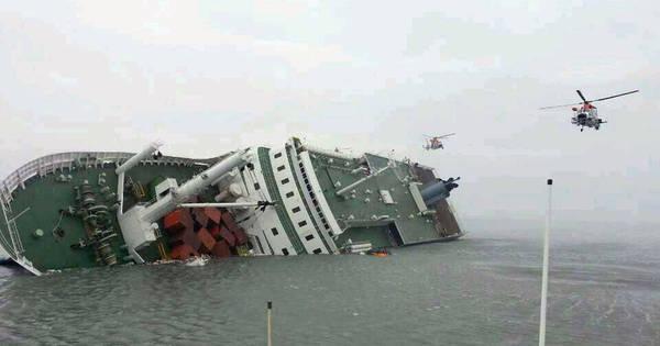 Navio naufraga na Coreia do Sul com quase 500 pessoas a bordo e ...