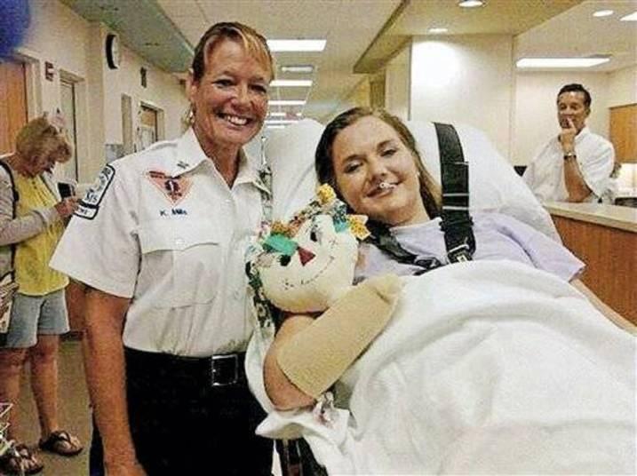 Aimee Copeland foi uma das vítimas da bactéria comedora de carne em 2008. Ela teve que amputar a perna esquerda, o pé direito e as duas mãos