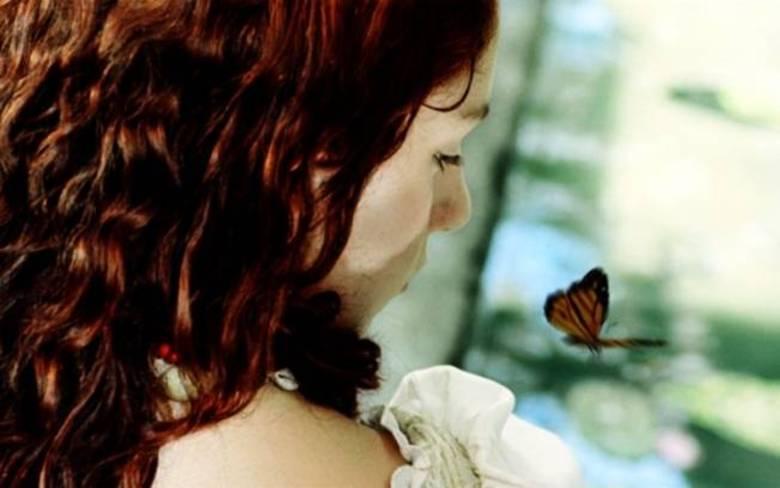 Do Amor e Outros Demônios é uma adaptação de 2009 do filme homônimo de García Márquez que conta a história de uma jovem de 13 anos, abandonada, que encontra amizade e amor em um jovem padre