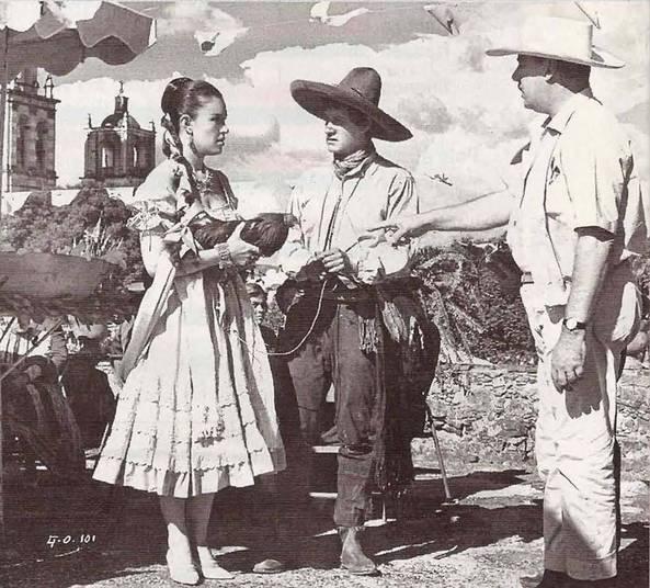 O Galo de Ouro foi o primeiro roteiro de Gabriel García Márquez para o cinema. A adaptação foi feita em 1964 a partir da obra de 1964
