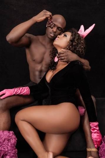 Valeska Reis deciciu aproveitar a Páscoa para fazer o primeiro ensaio de coelhinha Negra.— A ideia era ser sensual sem ser vulgar e valorizar a raça negra!