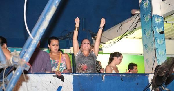 Rolou bafão? Susana Vieira e Sandro Pedroso vão ao Baile da ...