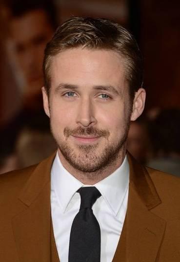 Aos 33 anos, Ryan Gosling também arranca suspiros de muitas mulheres e poderia arrecadar muito dinheiro para uma instituição