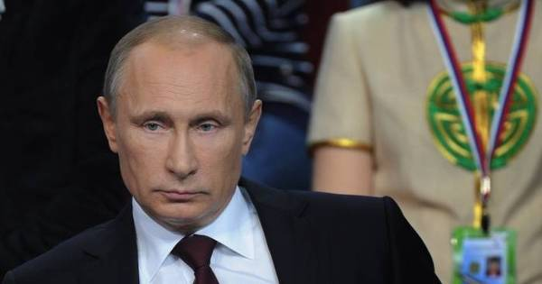 Putin proíbe palavrões em livros, jornais, filmes, shows e na TV ...