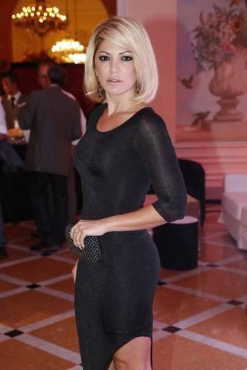 Gata cobiçada!Antonia Fontenelle é um mulherão. Simpática, atenciosa, a atriz já virou alvo de conquista de vários homens famosos. Confira na galeria