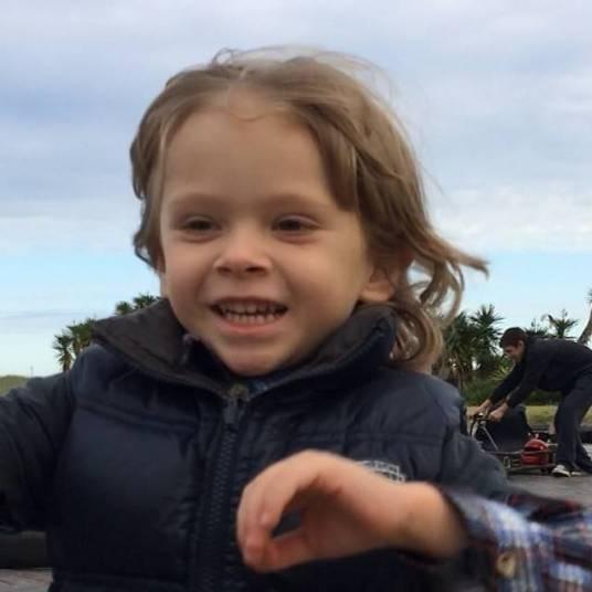 Alexandre Iodice não ficou com o filho no sábado e sentiu falta de Vittorio, filho com a apresentadora Adriane Galisteu.— Putzzzzz que saudades do meu lindão !!!!!!!