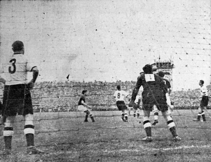 Vinte anos antes, a Hungria já havia apresentado um esquema semelhante. A velocidade era tão grande que, em 20 de junho de 1954, a Hungria fez 8 x 3 na forte Alemanha Ocidental. O jogo foi marcante, mas o resultado não ajudou muito a Hungria, pois foi conquistado na primeira fase. Na decisão, os alemães, apesar de pressionados o tempo inteiro, venceram por 3 x 2, com gol anulado de Puskas, e foram campeões. Situação semelhante aconteceu em 1974, quando na final, a Alemanha foi bi ao vencer a sensação Holanda por 2 x 1.