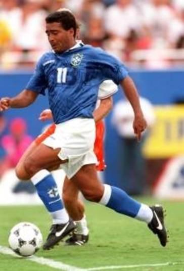 Brasil e Holanda também fizeram uma partida memorável na Copa do Mundo dos Estados Unidos, em 9 de julho de 1994. No segundo tempo, o Brasil fez 2 x 0, gols de Bebeto, aos 7 minutos e Romário, aos 17. A Holanda empatou, com Winter e Bergkamp. Então, aos 35, num tiro certeiro de falta, Branco, que substituía Leonardo, suspenso, fez o terceiro gol do Brasil, classificando a seleção para a semifinal. O Brasil sagrou-se tetracampeão, ao superar a Itália na final, na disputa de pênaltis.