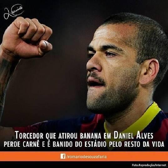 Romário não postou foto de banana, mas defendeu o lateral brasileiro Daniel Alves