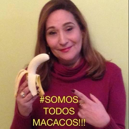 A apresentadora Sônia Abrão não fez diferente