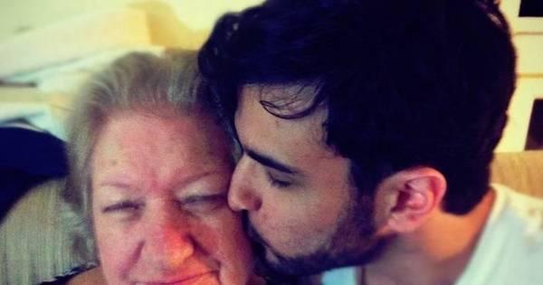 Neto larga faculdade e emprego para cuidar de avó com Alzheimer ...
