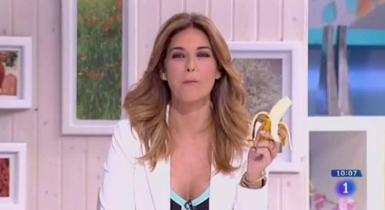 A apresentadora espanhola Marilon Monteiro comeu uma banana ao vivo no programa La Mañana de La 1