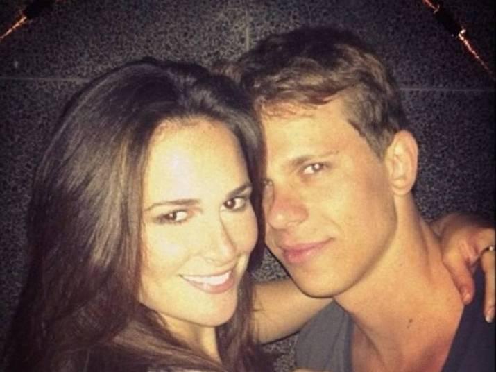 César Cielo e Priscila Machado O casal lindo se conheceu em uma balada no Rio. Eles ficaram e não foi coisa de uma noite só! Eles se reencontraram no sul e começaram a namorar logo depois