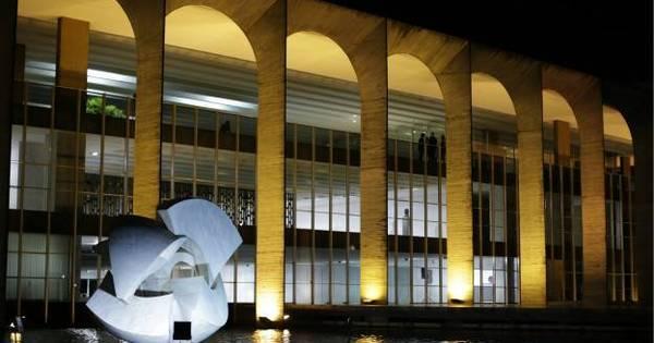 Brasil chama de volta embaixadores do Equador, Venezuela e Bolívia