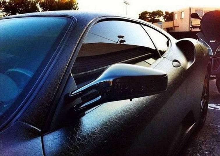 O rapper mandou cobrir o carro inteiro de couro (isso que é bom gosto!)Saiba tudo sobre carros! Acessewww.r7.com/carros
