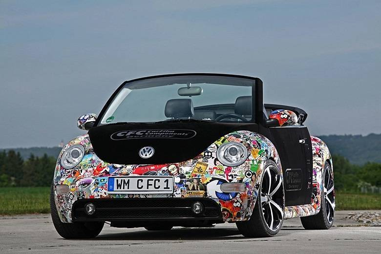 Volkswagen New Beetle 'sticker-bomb'Saiba tudo sobre carros! Acessewww.r7.com/carros