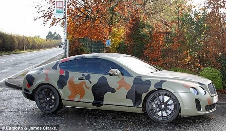 Como se pode notar, Balotelli gosta de chamar a atenção com seu Bentley Continental GT 'de guerra'Saiba tudo sobre carros! Acessewww.r7.com/carros