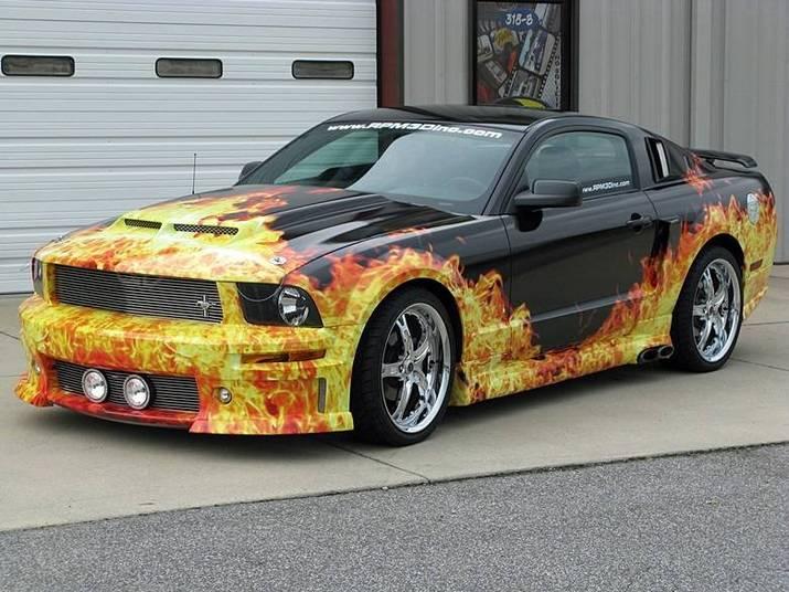 Ford Mustang 'em chamas'Saiba tudo sobre carros! Acessewww.r7.com/carros