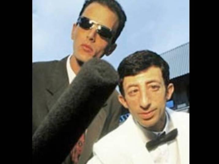Cláudio Chirinian (ET)Vítima de uma parada cardíaca provocada por choque séptico, broncopneumonia e insuficiência renal, Cláudio, mais conhecido como ET, dupla de Rodolfo, morreu aos 46 anos em 2010