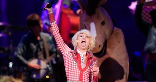Rainha dos palavrões, Miley Cyrus esvazia plateia durante shows ...