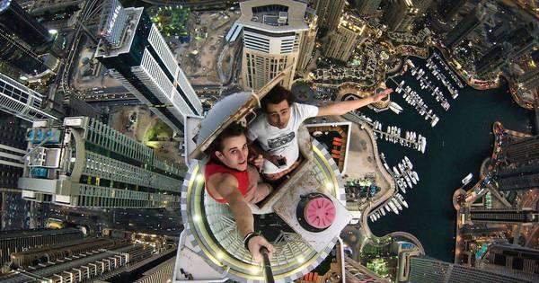 Estudantes sem medo da morte escalam prédios mais altos do mundo