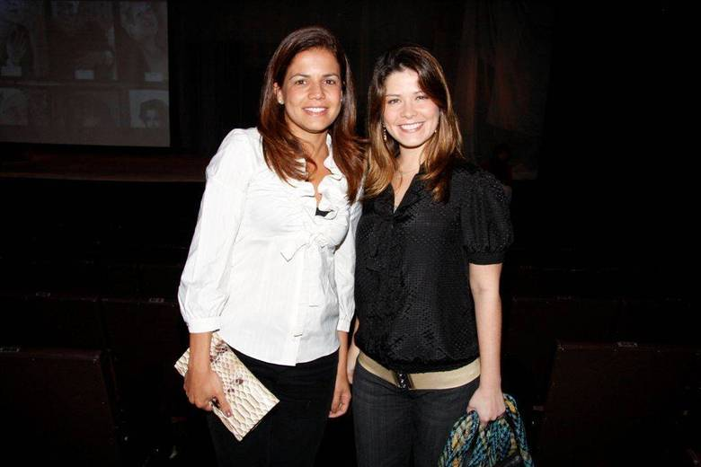 Nívea Stelmann e Samara FelippoAs morenas se conhecem há 15 anos, trabalhando. Trabalharam juntas muitas vezes, como em Suave Veneno (1999) a Chocolate com Pimenta (2003). Nívea é madrinha de Alícia, filha de Samara com Leandrinho