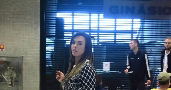 Errou a roupa? Nicole Bahls aparece mais cheinha em aeroporto ...