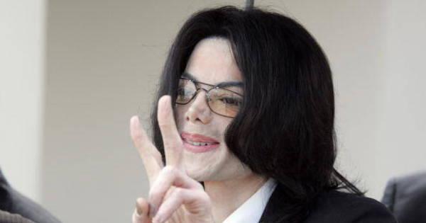 Código comprova que Michael Jackson está vivo, alega jornalista ...