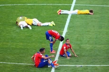 Prorrogação no futebol: lesões graves e até desmaios nos jogadores