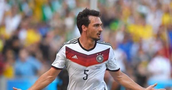 """Jogador revela que Alemanha """"tirou o pé"""" para não ridicularizar o ..."""